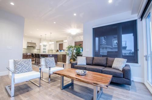 St. Georges Custom Home  Living Room